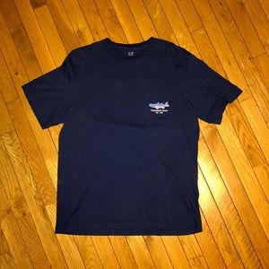 Vineyard Vines pocket tee size medium